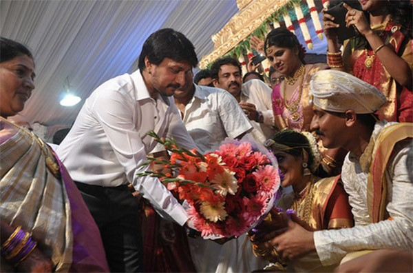 Sudeep,Upendra,Ganesh,Ravichandran,Shivaraj Kumar daughter Nirupama-Dileep's Wedding,Shivaraj Kumar daughter Nirupama Wedding,Nirupama Wedding,Nirupama marriage
