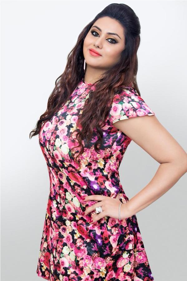 Namitha,actress Namitha,Namitha Latest Pictures,Namitha Latest pics,Namitha Latest images,Namitha Latest stills,Namitha Latest gallery,south indian actress Namitha,tamil actress Namitha