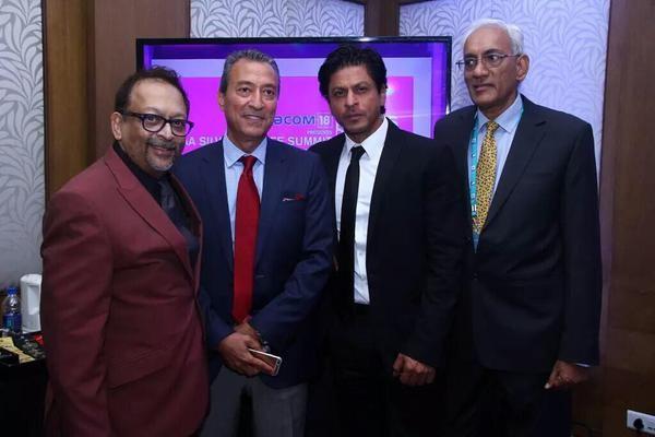 Shah rukh khan,Shah rukh khan in kerala,Shah rukh khan in kochi,Shah rukh khan IAA summit