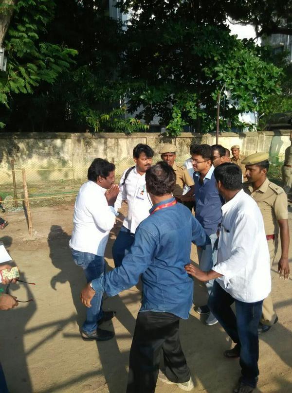 Nadigar Sangam Elections,Nadigar Sangam Elections 2015,celebs at Nadigar Sangam Elections,Rajinikanth,Vijay,Kamal Haasan