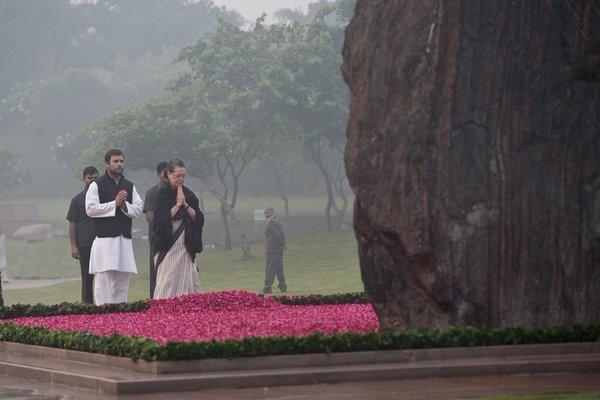 Indira Gandhi,Indira Gandhi death anniversary,Indira Gandhi death,Sonia Gandhi,Rahul Gandhi,Manmohan Singh,Pranab Mukherjee