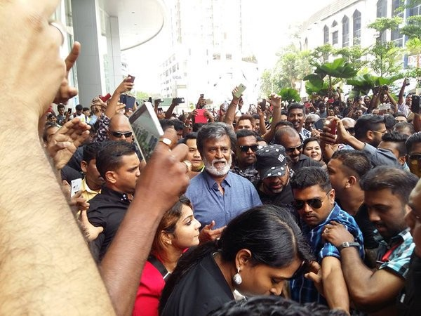 Rajinikanth,Rajinikanth in Malaysia,Rajinikanth Kabali shoot,Kabali shoot malaysia photos,rajinikanth with malaysian fans