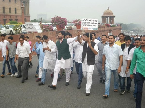 Congress Protest March against 'Intolerance',Congress March against 'Intolerance',Intolerance,Sonia Gandhi,Rahul Gandhi,Protest March,Parliament house,Rashtrapathi Bhavan,CongressMarch4Unity,Congress March for Unity,Manmohan Singh