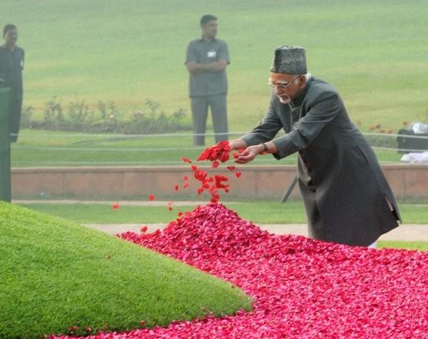 Sonia Gandhi,Pranab Mukherjee,Hamid Ansari,Jawaharlal Nehru,Jawaharlal Nehru Birth Anniversary,tribute to Jawaharlal Nehru,Jawaharlal Nehru birth anniversary,Jawaharlal Nehru 125th birth anniversary