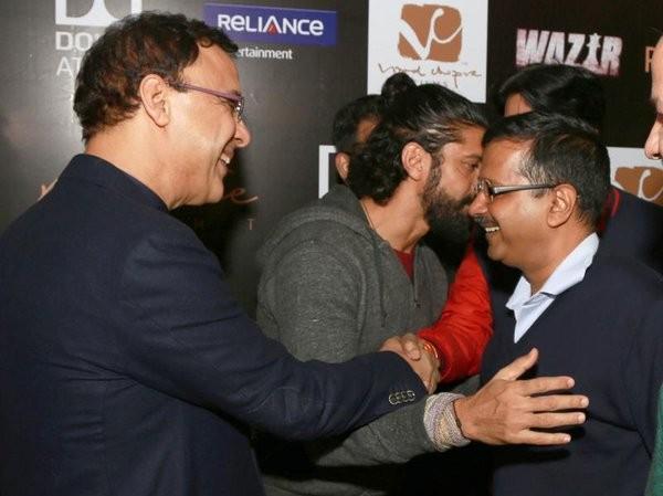 Arvind Kejriwal,Amitabh Bachchan,Arvind Kejriwal watches Wazir movie,Arvind Kejriwal watches Amitabh Bachchan's Wazir movie,Vidhu Vinod Chopra,Abhijat Joshi,Farhan Akhtar,Aditi Rao Hydari