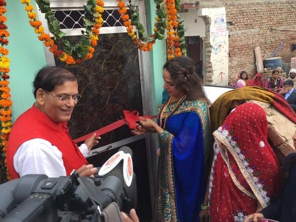 Hema Malini,actress Hema Malini,Hema Malini launches public toilets,Hema Malini launches public toilets programme in Mathura,public toilets,Bharatiya Janata Party MP,BJP MP