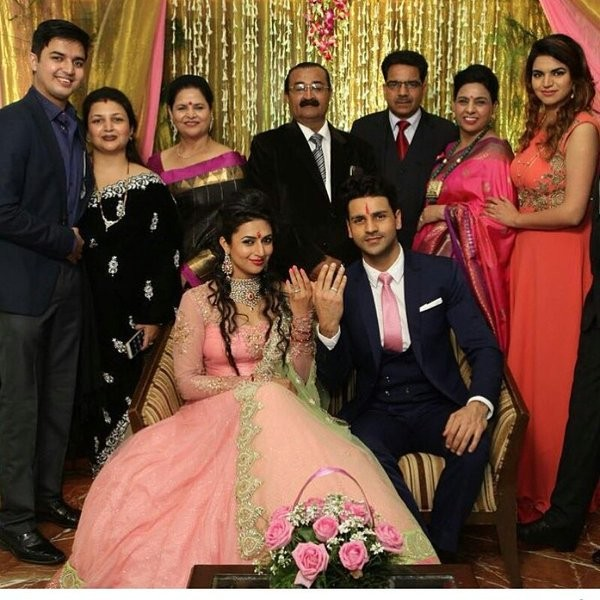 Divyanka Tripathi,divyanka tripathi marriage,divyanka tripathi engagement,Vivek Dahiya engagement,Vivek Dahiya marriage,Divyanka Tripathi and Vivek Dahiya,Divyanka Tripathi and Vivek Dahiya engagement,Yeh Hai Mohabbatein