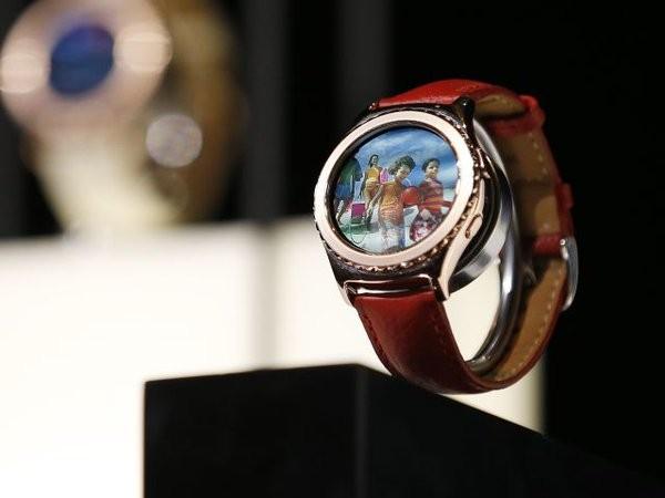 Samsung launches Gear VR headset,Gear VR headset,Gear 2 smartwatch,Gear 2,virtual reality headset,South Korean electronics