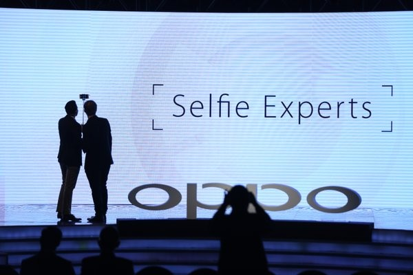 Oppo,Oppo selfies,Oppo mobile,selfie-driven cameras,Oppo launches phones made for 'selfies',Oppo launches selfies,Sonam Kapoor,selfie-driven F series,Oppa f Series