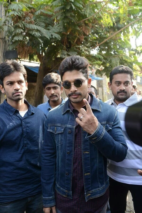 Greater Hyderabad Municipal Corporation (GHMC) Elections 2016. Celebs like Allu Arjun, Nagarjuna, Balakrishna and other cast their votes.