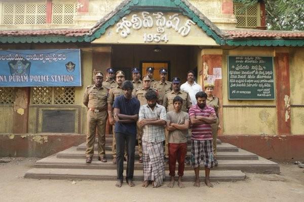 Visaranai,Visaranai movie stills,Dinesh,Anandhi,Visaranai movie pics,Visaranai movie images,Visaranai movie photos,Visaranai movie pictures