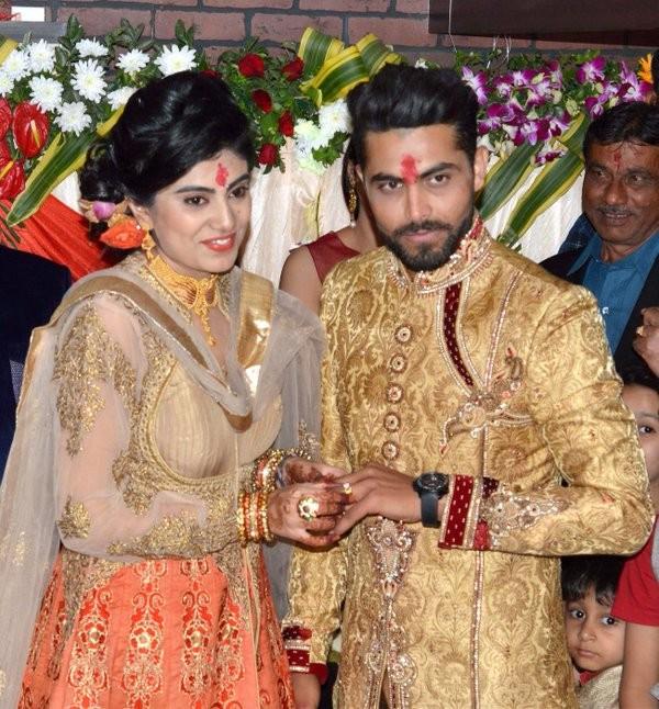 Ravindra Jadeja,Ravindra Jadeja engaged to Riva Solanki,Riva Solanki,Ravindra Jadeja engament,Cricket player Ravindra Jadeja,Ravindra Jadeja marriage,Jadeja