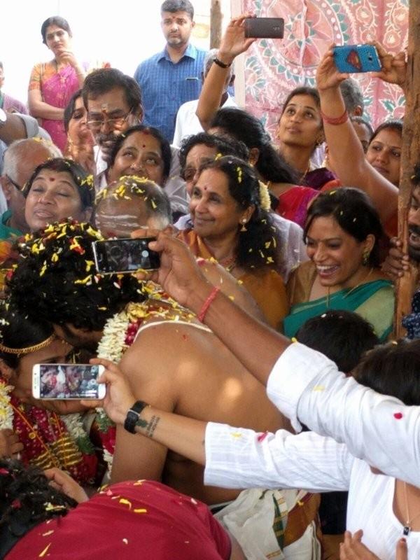 VJ Anjana Rangan,VJ Anjana Rangan marriage,VJ Anjana Rangan wedding,VJ Anjana Rangan and Chandran,VJ Anjana Rangan and Chandran wedding,VJ Anjana Rangan and Chandran marriage,Chandran wedding,Chandran marriage,Chandramouli marriage,Chandramouli wedding