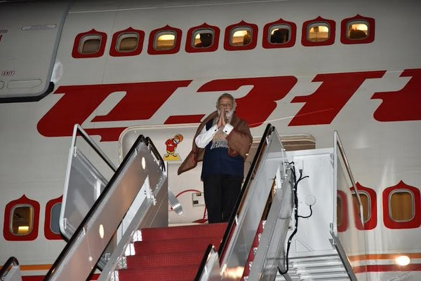 Narendra Modi arrives in US,Narendra Modi arrives US,Narendra Modi,Pm Narendra Modi,Modi,nuclear summit,President Barack Obama,Barack Obama,President Barack Obama and Narendra Modi