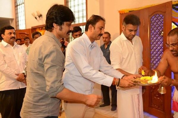 Pawan Kalyan,SJ Suryah,Pawan Kalyan and SJ Suryah's movie launch,Pawan Kalyan movie launch photos,Pawan Kalyan movie launch pics,Pawan Kalyan movie launch images,Pawan Kalyan movie launch stills,Pawan Kalyan movie launch pictures,Pawan Kalyan new mov