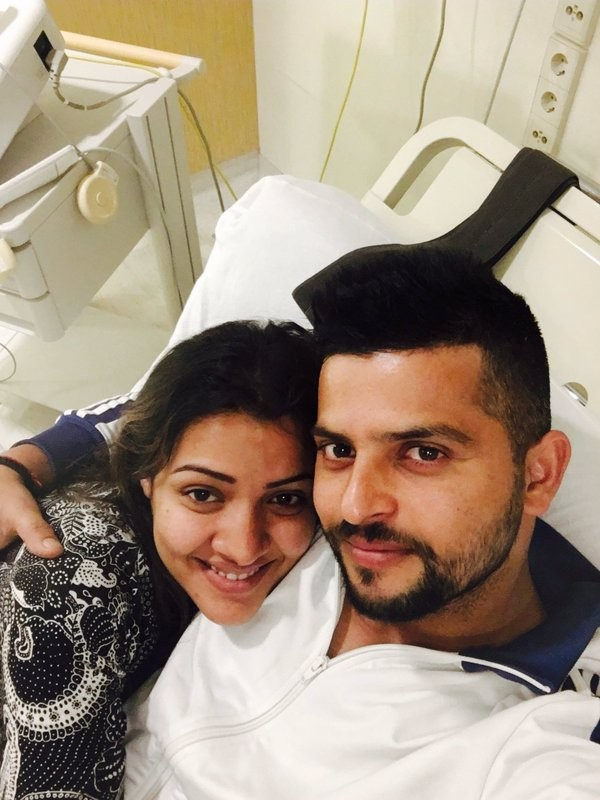 Suresh Raina,India batsman Suresh Raina,Suresh Raina blessed with baby girl,Priyanka blessed with baby girl,Priyanka flaunts her baby bump,Suresh Raina's wife Priyanka flaunts her baby bump,Suresh Raina daughter,Suresh Raina with Shreyanshi Raina,Sur