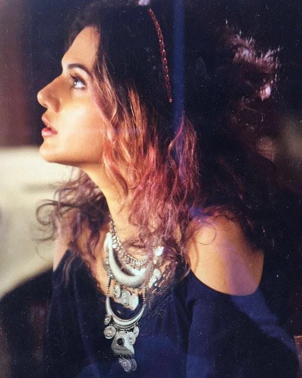 Taapsee Pannu,Taapsee Pannu hair colour,Taapsee Pannu gets new hair colour,Sunny Leone,Taapsee Pannu pink hair,Taapsee Pannu new pics,Taapsee Pannu new images,Taapsee Pannu new photos,Taapsee Pannu new stills,Taapsee Pannu new pictures
