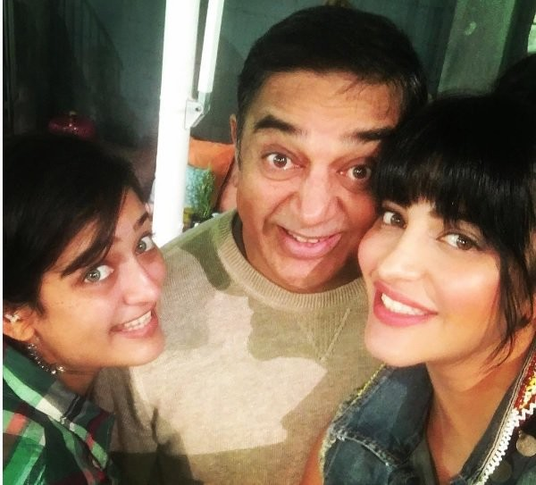Shruthi Hassan,Shruthi Hassan and Kamal Haasan,Kamal Haasan,Sabaash Naidu,Sabaash Naidu shooting,Shruthi Hassan at Sabaash Naidu shooting,Sabaash Naidu pics,Sabaash Naidu images,Sabaash Naidu photos,Sabaash Naidu stills,Sabaash Naidu pictures