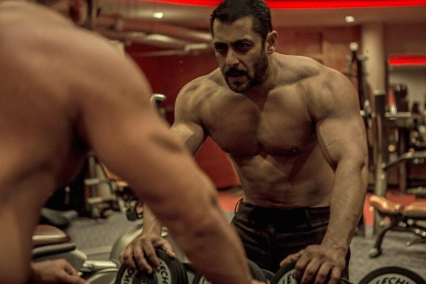 Salman Khan birthday special,Salman Khan birthday,Salman Khan shirtless photos,Salman Khan shirtless pics,Salman Khan shirtless images,Salman Khan shirtless stills,Salman Khan shirtless pictures,happy birthday Salman Khan,salman khan birthday