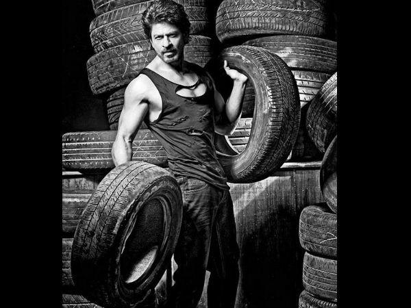 Shahrukh Khan,Amitabh Bachchan,Anushka Sharma,Disha Patani,Vidya Balan,Dabboo Ratnani Calendar 2017,Dabboo Ratnani Calendar,Dabboo Ratnani,Dabboo Ratnani 2017
