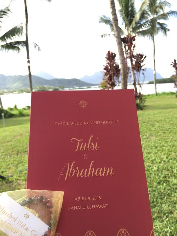 Tulsi Gabbard,Abraham Williams,Tulsi Gabbard Abraham Williams wedding photos,Tulsi Gabbard Abraham Williams marriage,Tulsi Gabbard US lawmaker,Vedic wedding,hawaii