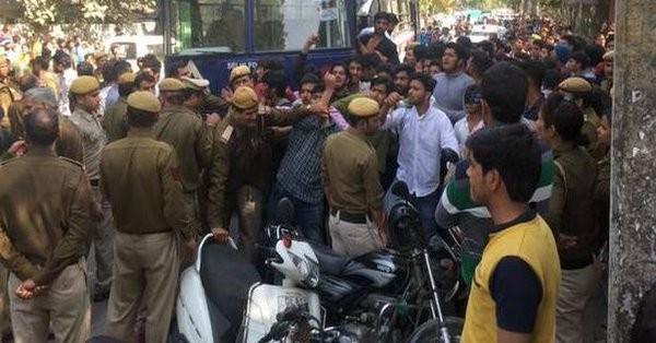 Ramjas College,ABVP ruckus,ABVP,Clashes erupted,student group,JNU student Umar Khalid,JNU student,Umar Khalid