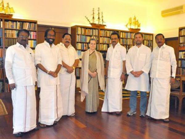 MK Stalin meets Sonia Gandhi,MK Stalin,Sonia Gandhi,President Pranab Mukherjee,Pranab Mukherjee,Stalin,Congress President Sonia Gandhi