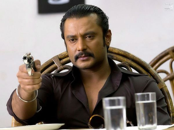 Darshan,actor Darshan,Chakravarthy movie stills,Chakravarthy movie pics,Chakravarthy movie images,Chakravarthy movie photos,Chakravarthy movie pictures,Adithya,Deepa Sanniddi,Srujan Lokesh,Dinakar Toogudeepa,Kumar Bangarappa