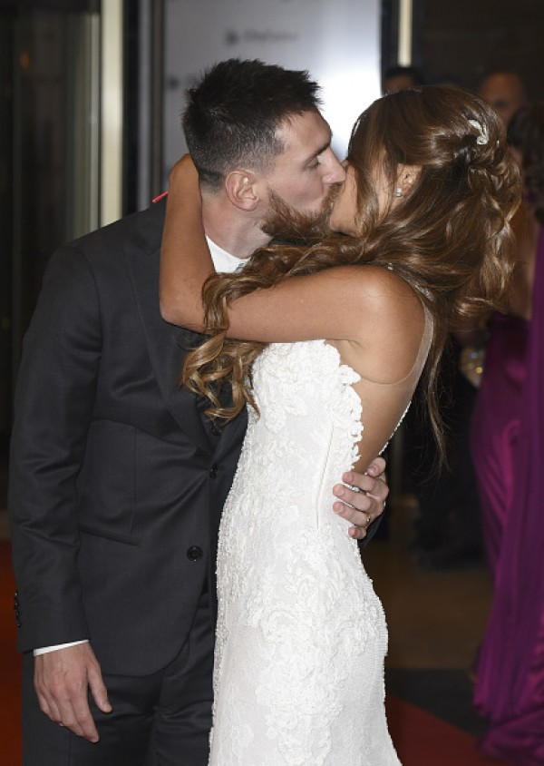 Lionel Messi And Antonella Roccuzzo Marry In Argentina And