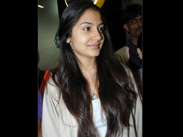 Rare And Unseen Pictures Of Actress Anushka Sharma,unseen pictures of Anushka Sharma,Anushka Sharma,actress Anushka Sharma,Actress Anushka Sharma Latest Photos,Actress Anushka Sharma Childhood Pics,Anushka Shetty Unseen Rare Pics,Rare unseen childhood,Vir