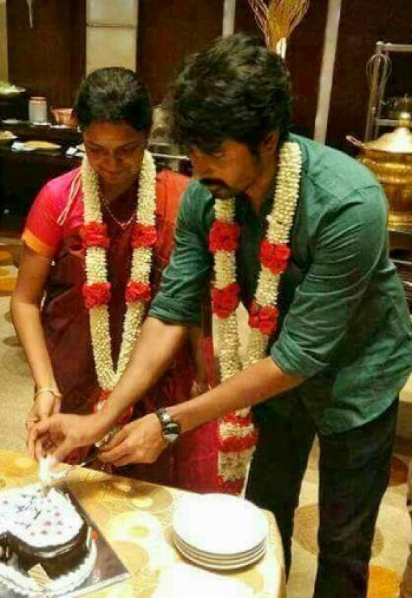 K And K Auto >> Velaikkaran actor Sivakarthikeyan and Arthi celebrate ...