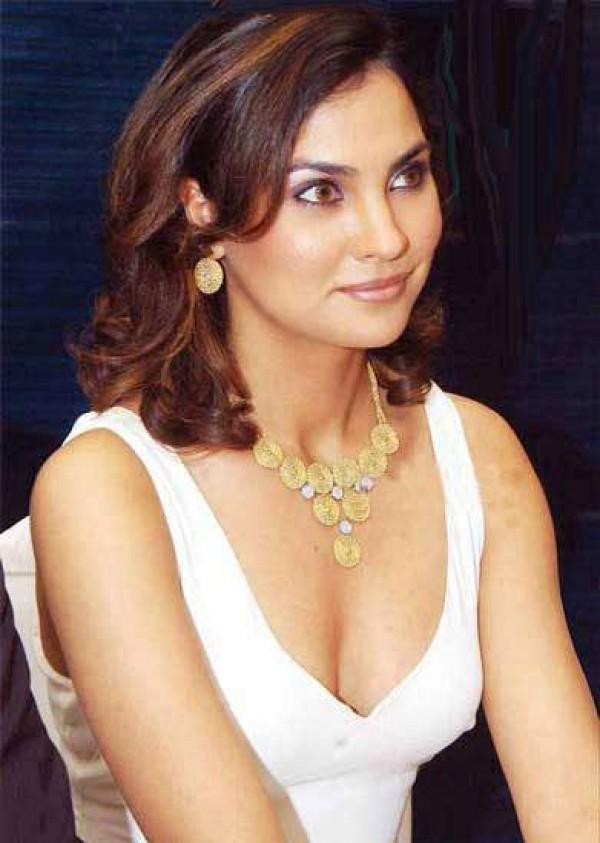 Rare And Unseen Pictures Of Actress Lara Dutta - Photos -9093