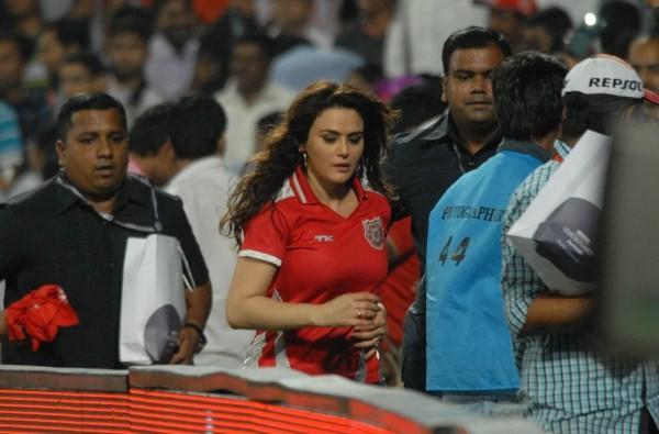 Preity Zinta,actress Preity Zinta,Preity Zinta at IPL,ipl 2015,ipl cricket,co-owner of Kings XI Punjab,Preity Zinta co-owner of Kings XI Punjab,Kings XI Punjab,Delhi Daredevils,Preity Zinta pics,Preity Zinta latest pics