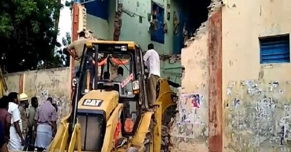Tamil Nadu roof collapse,Nagapattinam roof collapse,bus depot roof collapse,Porayar roof collapse,Tamil Nadu building collapse,building collapse,Roof Collapse,bus depot collapse,Porayar building collapse,Nagapattinam building collapse,E Palaniswami
