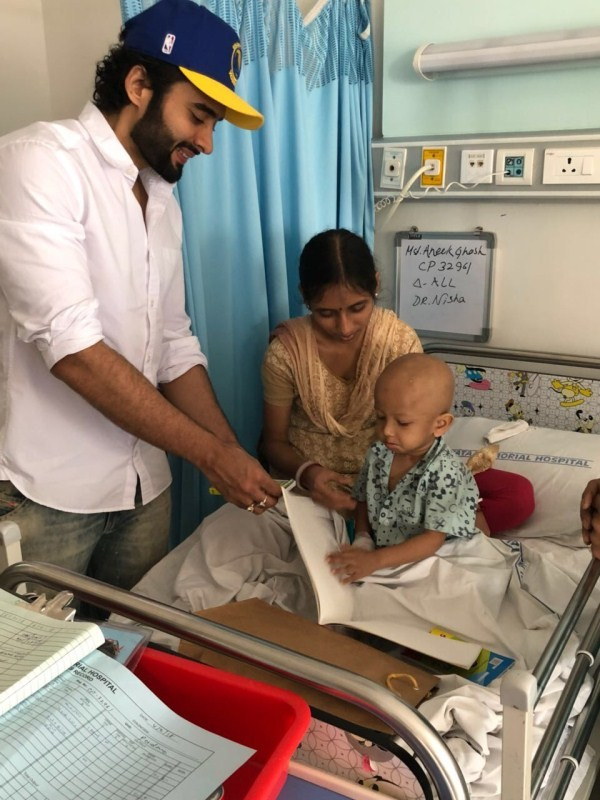 Jackky Bhagnani,actor Jackky Bhagnani,World Cancer Day,World Cancer Day 2018,Jackky Bhagnani at Tata Memorial Hospital