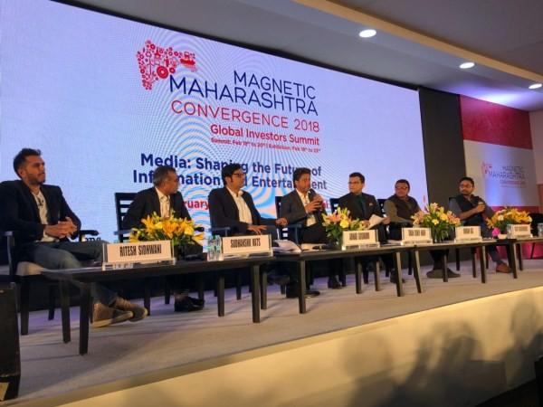 Shah Rukh Khan,Ritesh Sidhwani,actor Shah Rukh Khan,Shah Rukh Khan pics,Shah Rukh Khan wallpaper,Magnetic Maharashtra Convergence Summit