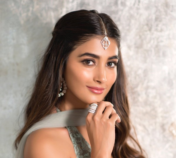 Gorgeous Pooja Hegdes Latest Pics - Photos,Images,Gallery - 84408-4213