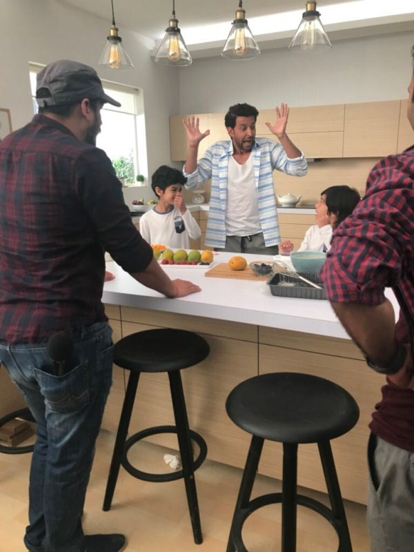 Hrithik Roshan,actor Hrithik Roshan,Hrithik Roshan commercial ad,Hrithik Roshan sweet gestures