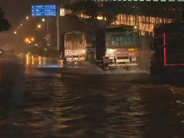 Mumbai rain,mumbai rains update,mumbai rainfall,Mumbai rainfall pics,Mumbai rainfall images,Mumbai rainfall stills