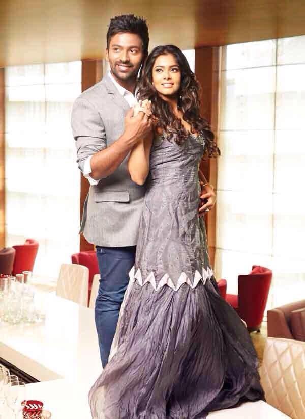 Shanthanu to Marry TV Anchor Keerthi,Shanthanu,actor Shanthanu,Shanthanu Bhagyaraj marriage,Shanthanu Bhagyaraj wedding date,Keerthi,Maanada Mayilada fame Keerthi