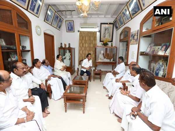 Karunanidhi,Karunanidhi health,Karunanidhi Hospitalised,DMK chief Karunanidhi,dmk chief karunanidhi admitted to hospital
