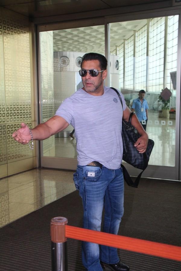 Salman Khan,Bigg Boss 12 launch,Bigg Boss launch,Salman Khan at Bigg Boss 12 launch,Salman Khan Bigg Boss,Salman Khan Bigg boss 12,Salman Khan in Goa,Salman Khan at Airport,Salman Khan at Mumbai Airport