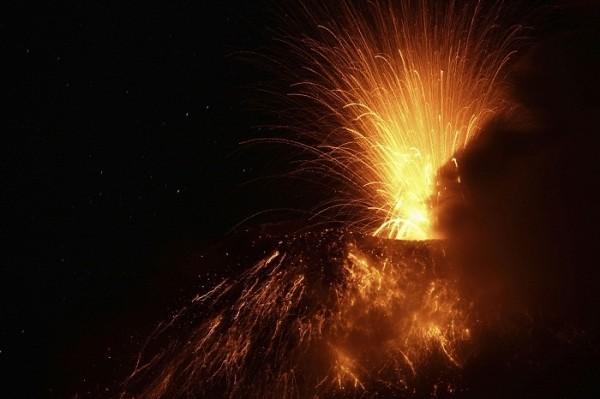 Mount Etna erupts in Italy