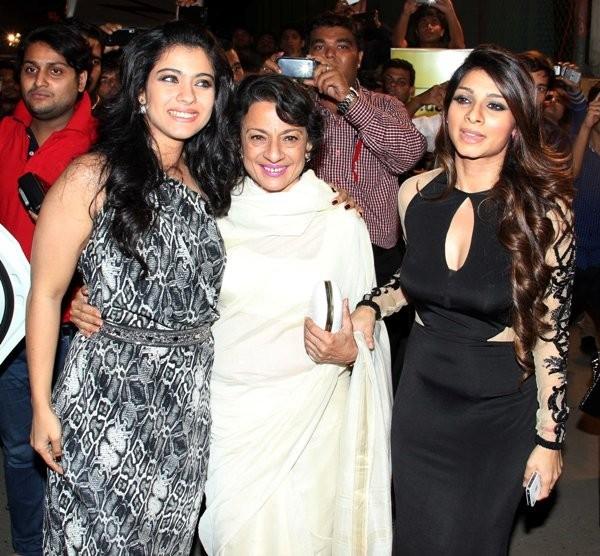 Kajol and Tanisha with mother Tanuja at  59th Idea Filmfare Awards