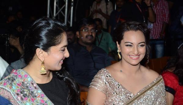 Anushka with Sonakshi Sinha at