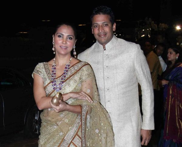 Lara Dutta with Mahesh Bhupathi at Arpita Khan's Wedding Reception