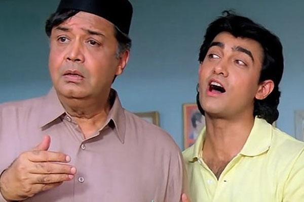 Deven Verma and Aamir Khan in Andaz Apna Apna