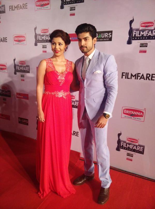 Gurmeet Choudhary and wife