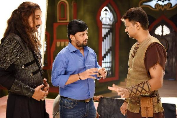 Sudeep and Vijay on the Set of Puli