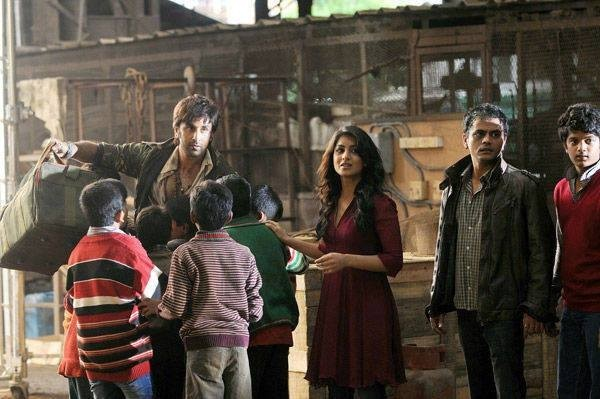 Ranbir Kapoor with Pallavi Sharda on the sets of Besharam. (Facebook Page of Bollywood's Biggest Fans Club – BBFC)